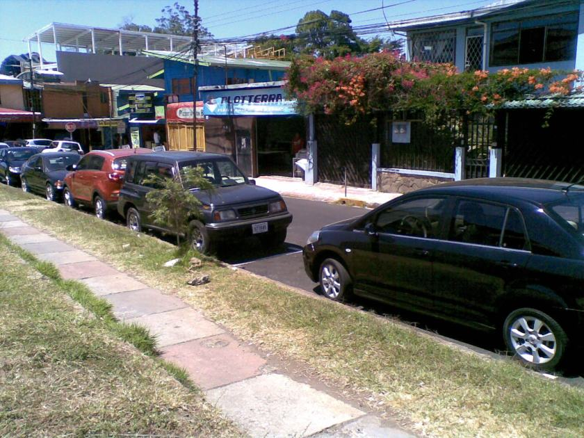 Picture from Quien Paga Manda. Guachimanes usually cover these streets.